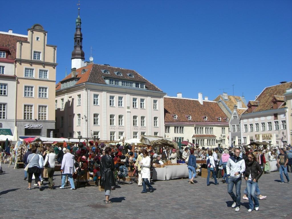 Raekoja Plats, Tallinn