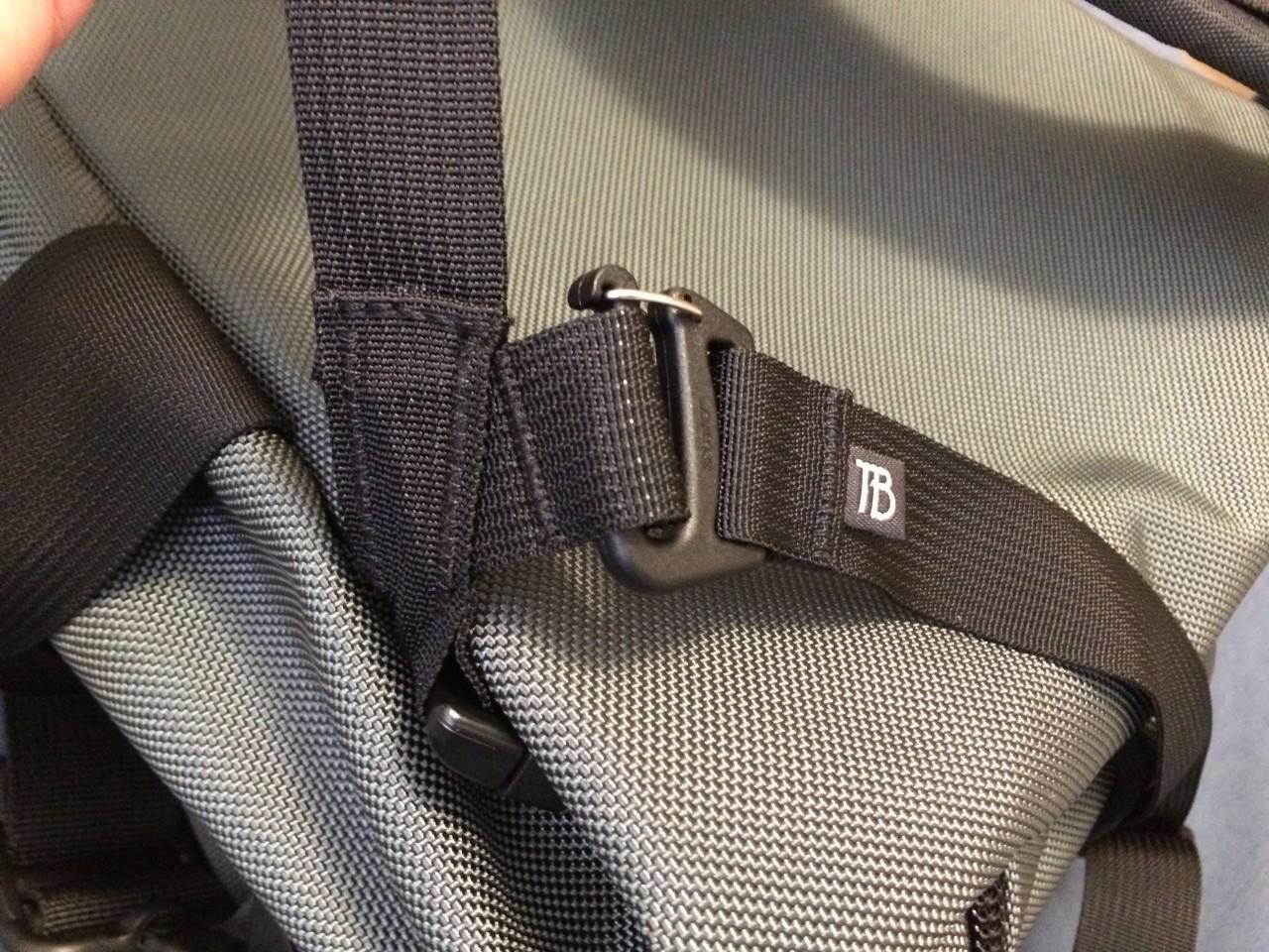 Tom Bihn Aeronaut  30 waist strap attachment