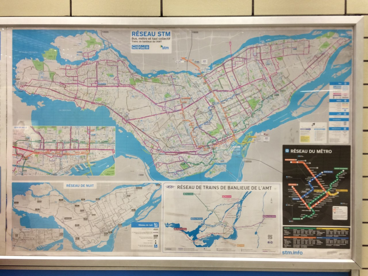 Montreal Metro Route and City Map