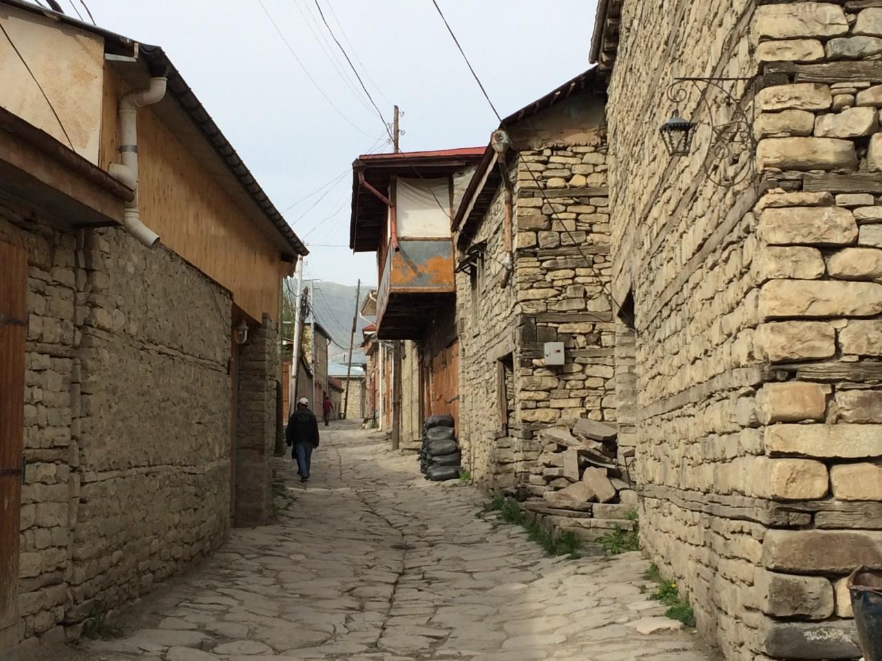 Lahic empty street