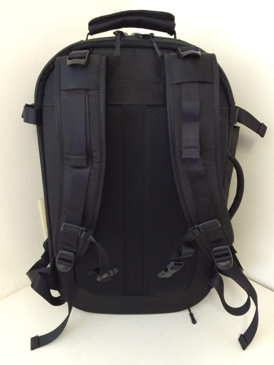 Aer Travel Pack shoulder straps