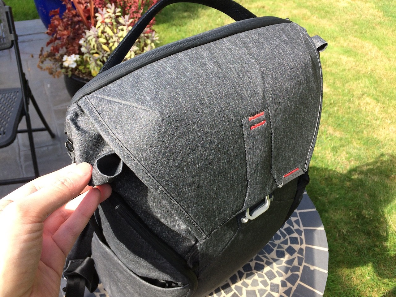 Peak Design Everyday Backpack top compartment flap problem