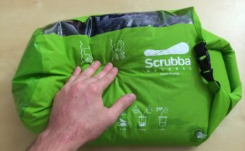 Manual washing with the Scrubba