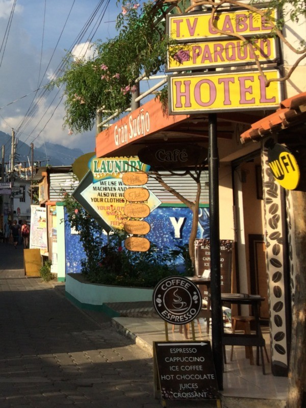 San Pedro expat signs