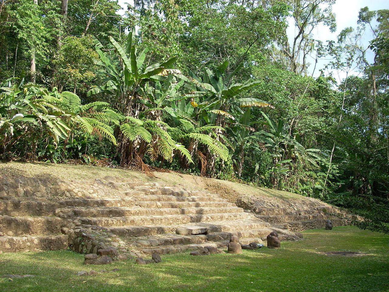 Takalik Abaj pyramid
