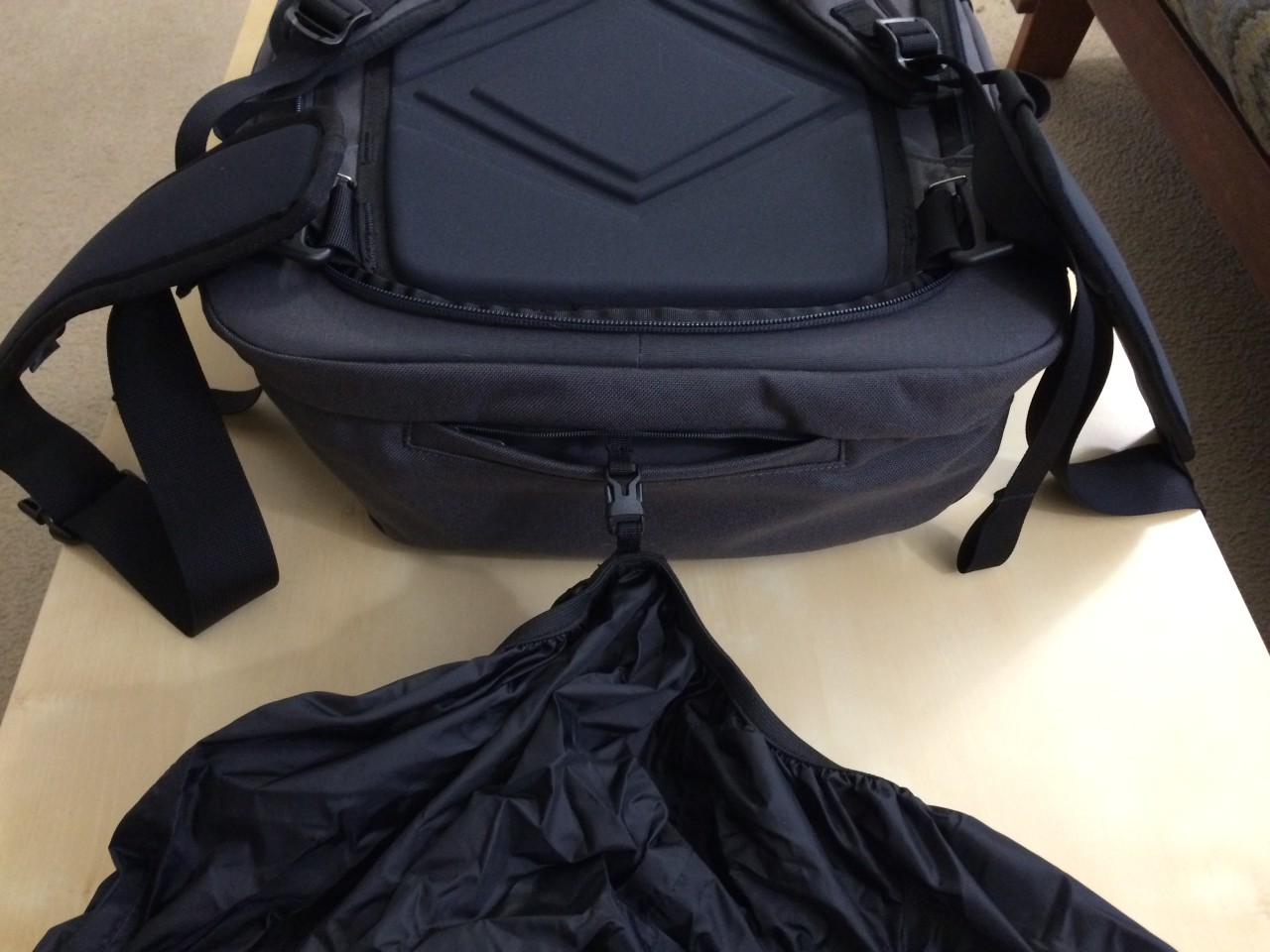 Minaal backpack rain cover