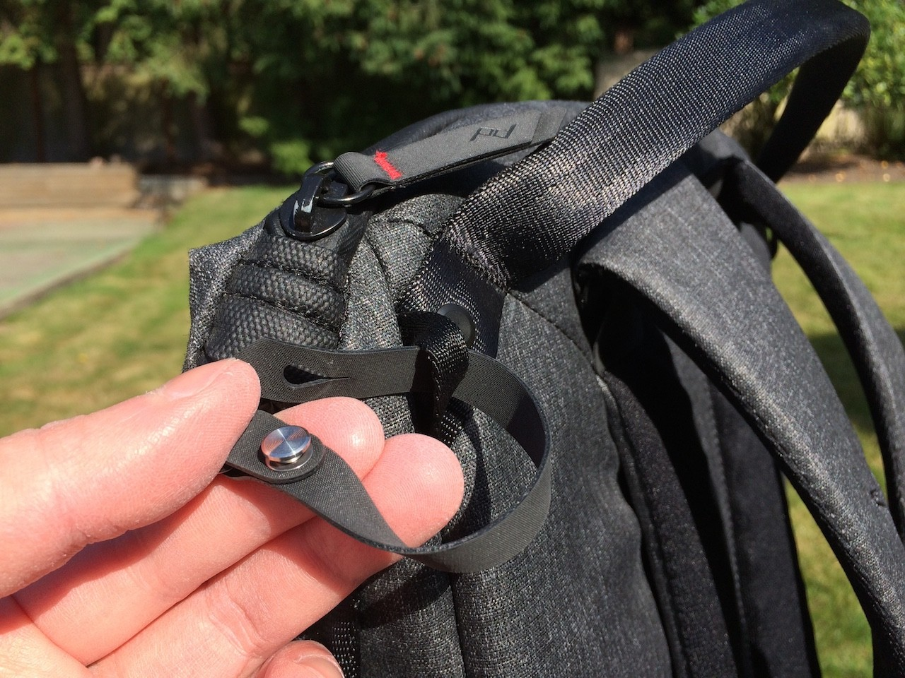 Peak Design Everyday Backpack zipper lock open